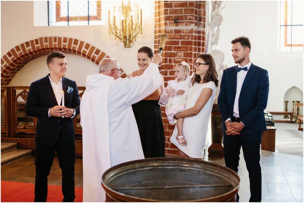 Krikštynos Vytauto bažnyčioje
