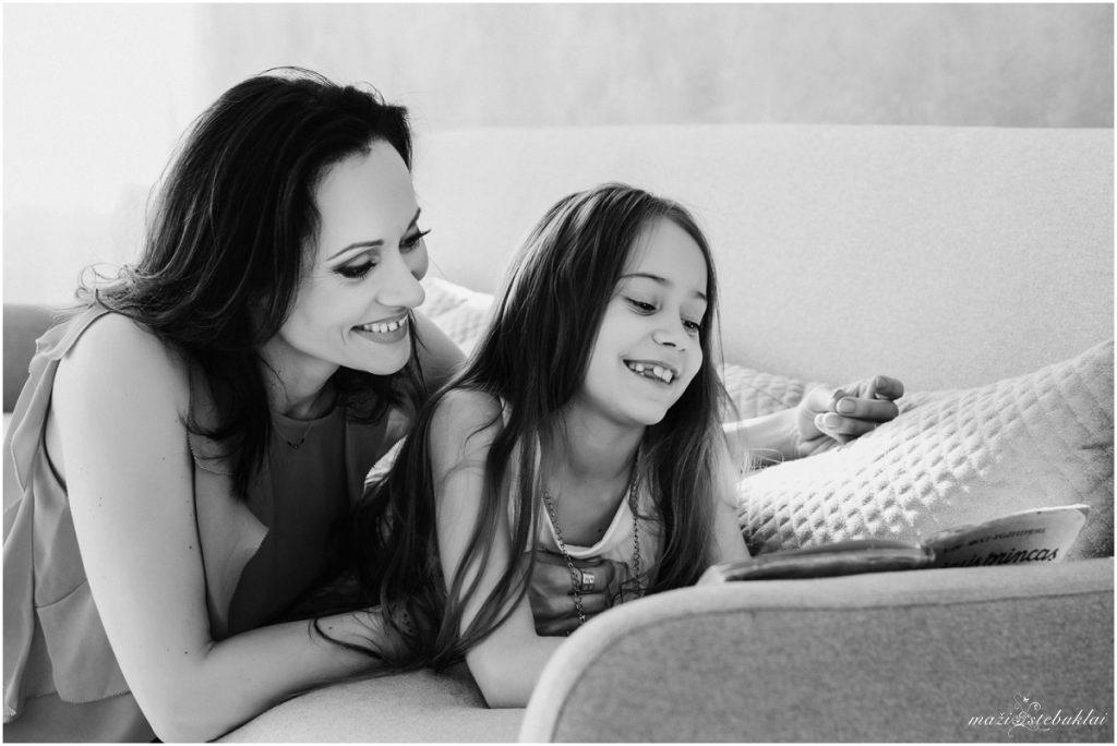 Mamos ir dukros fotosesija studijoje